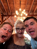 Amanda Lee  Wedding Selfies